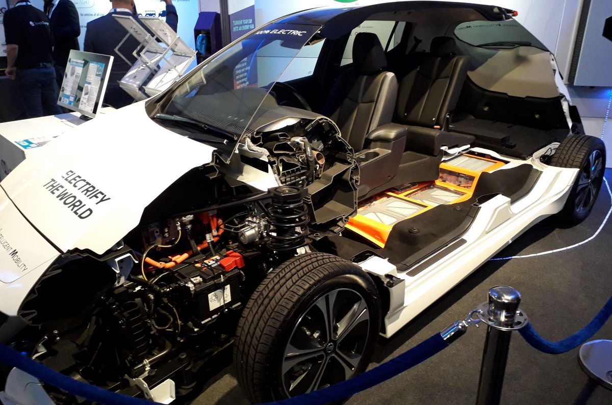 side view of an electric vehicle cut in half to show engine