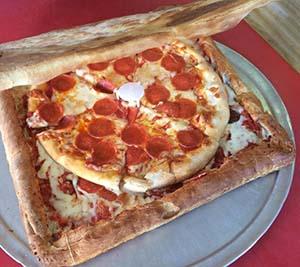 Pizza made pizza box - Vinnie's Pizzeria CNET